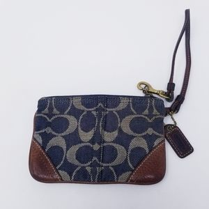 Coach | Classic Design Navy Wristlet (One Size)